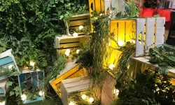 pallet festoon foliage decor